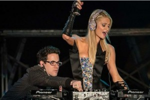 Paris-hilton-dj-set-6-242012-500x334